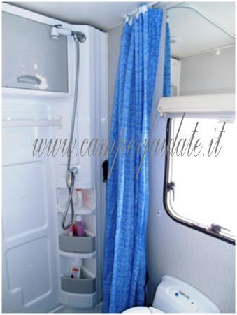 Riciclaggio box doccia - Box doccia con tenda ...