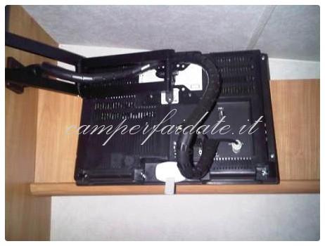 Tv con braccio mobile rifinitura - Braccio mobile per tv ...