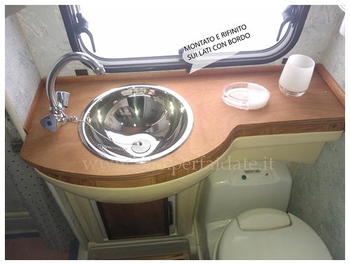 Lavabo e armadietto rifatto - Montaggio accessori bagno ...