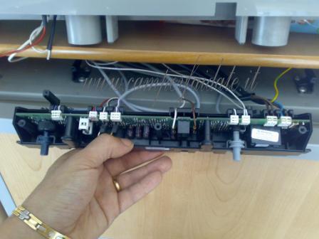 Schema Elettrico Frigo Trivalente Electrolux : Sostituzione scheda frigo rm l