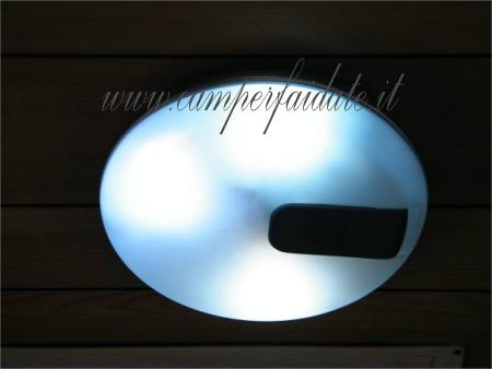 Plafoniera Neon Led Prezzi : Semplice trasformazione da circolina neon a led