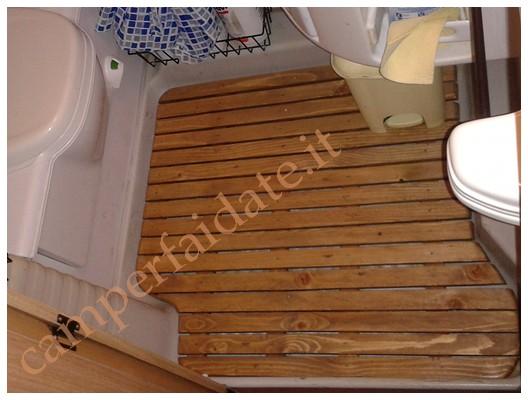 Pedana tappeto in legno per piatto doccia bathline arredamento e