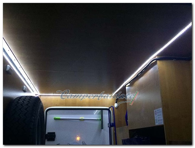 Sostituzione illuminazione originale nel garage