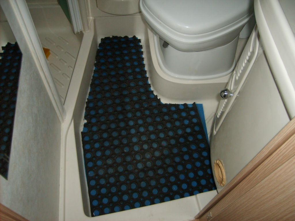 Una protezione eccellente per il termoformato del bagno - Bagno camper fai da te ...